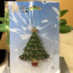 Jewelry - New Gold, Red & Green Enamel Christmas Tree Brooch